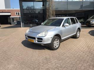 Porsche-Cayenne