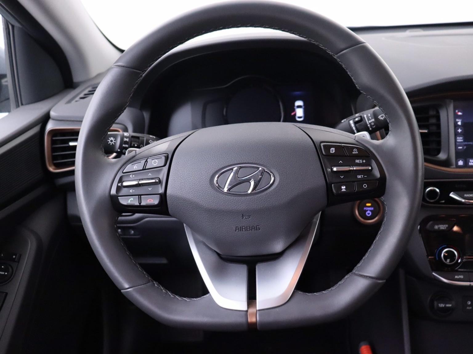 Hyundai-IONIQ-16