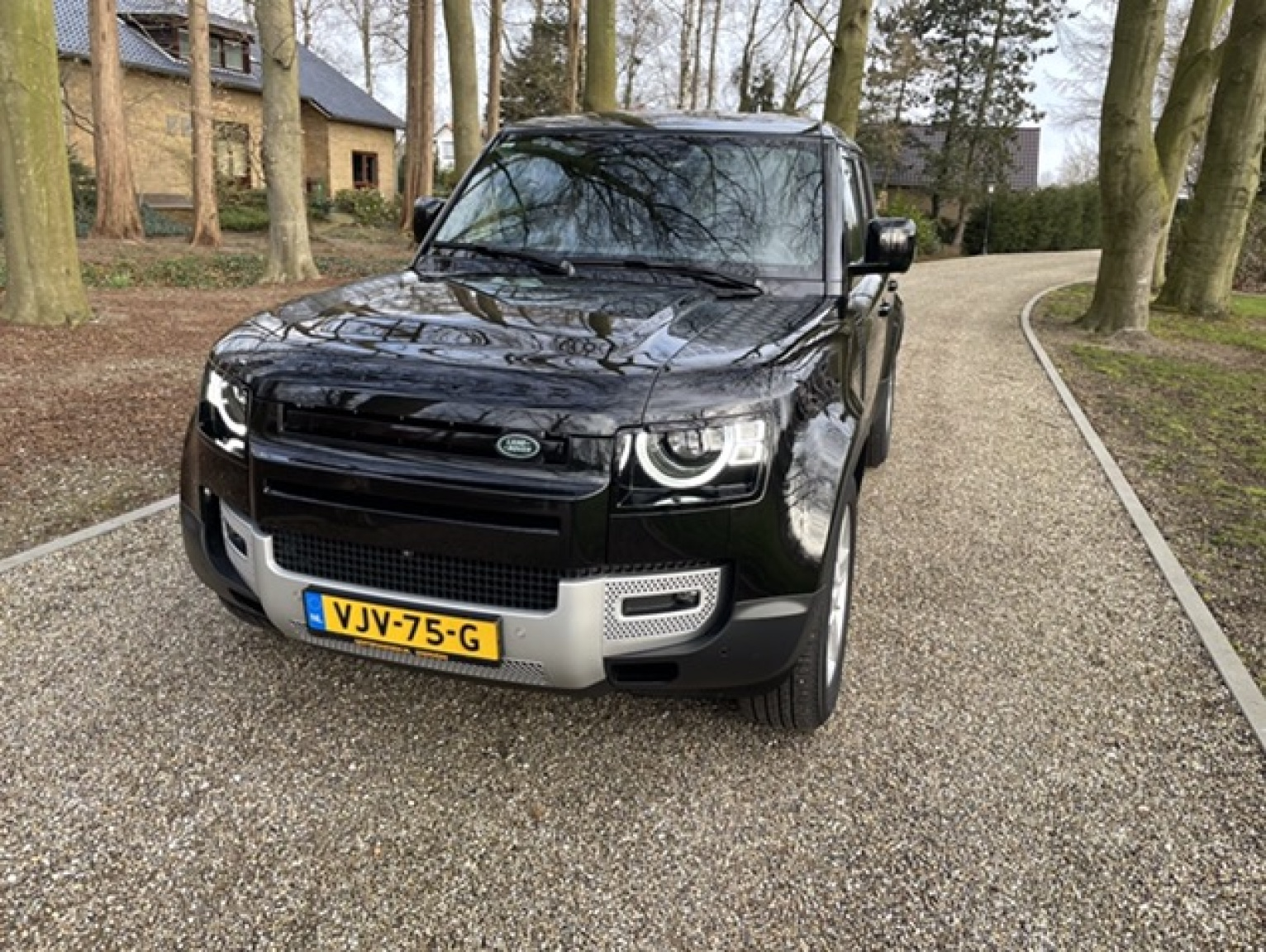 Land Rover-Defender-1