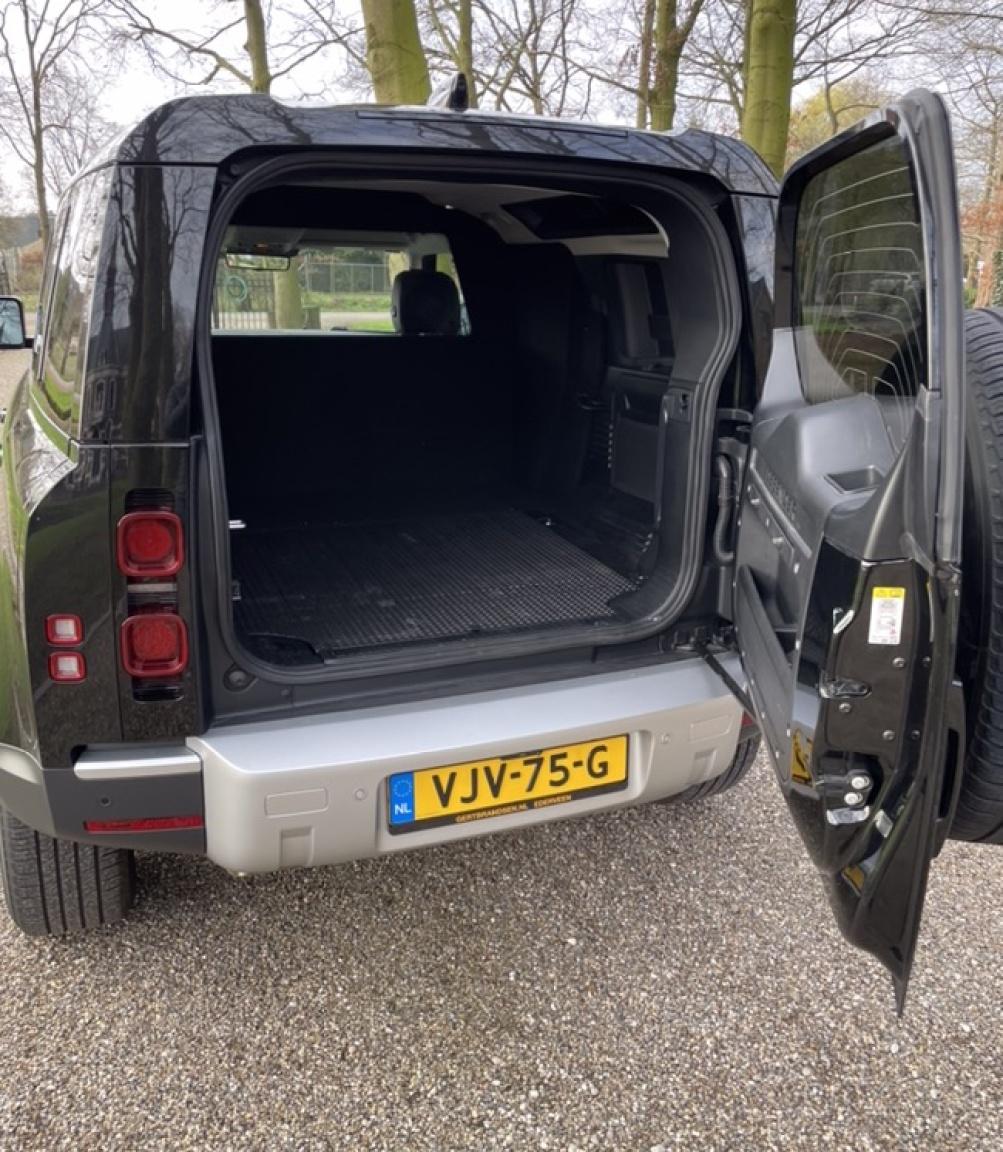 Land Rover-Defender-19