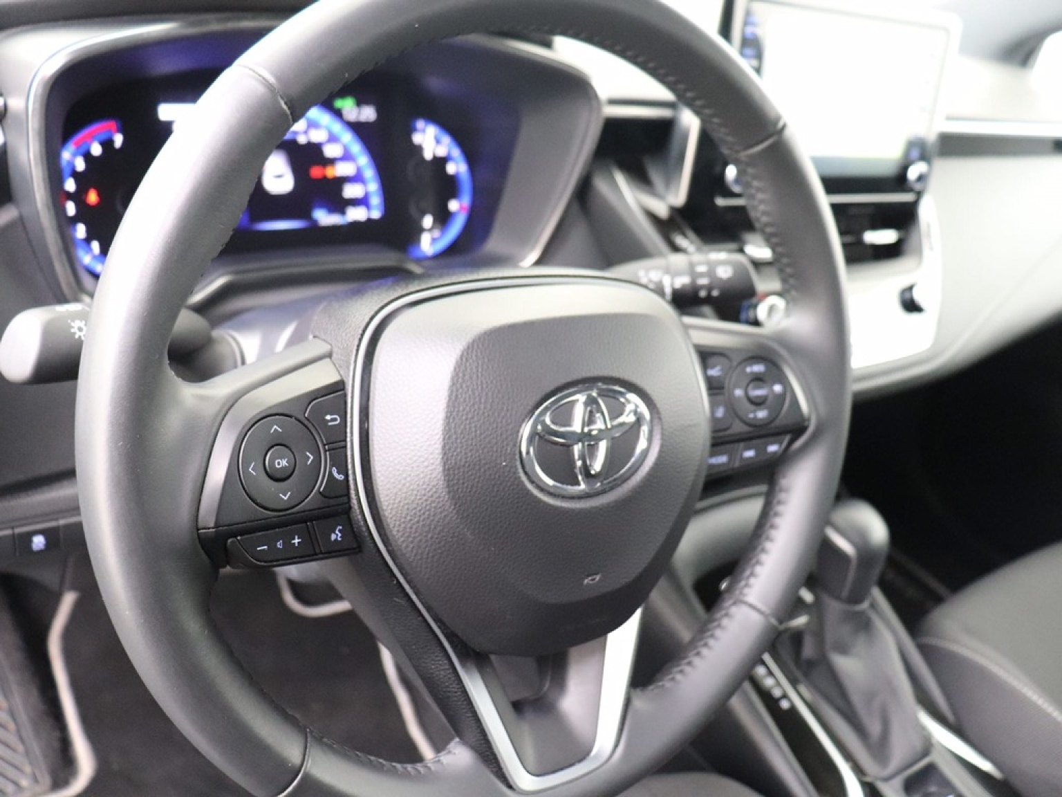 Toyota-Corolla-13