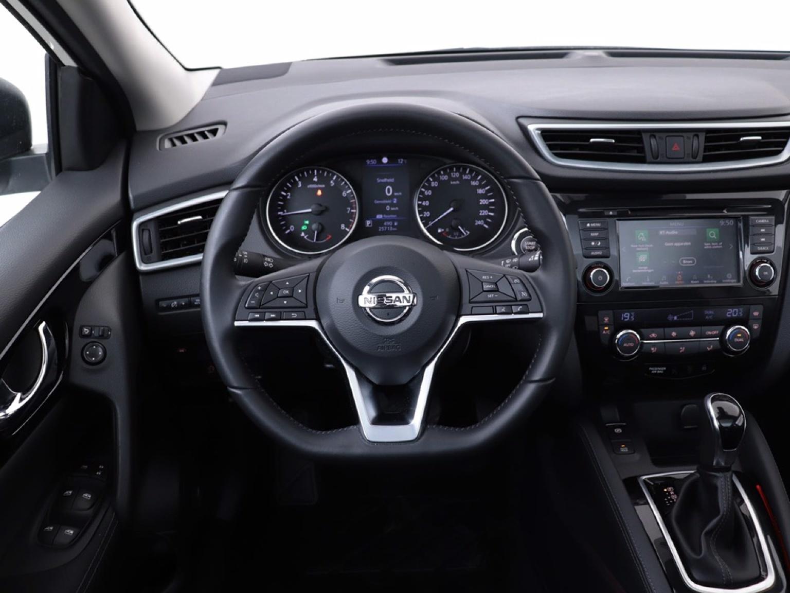 Nissan-QASHQAI-10